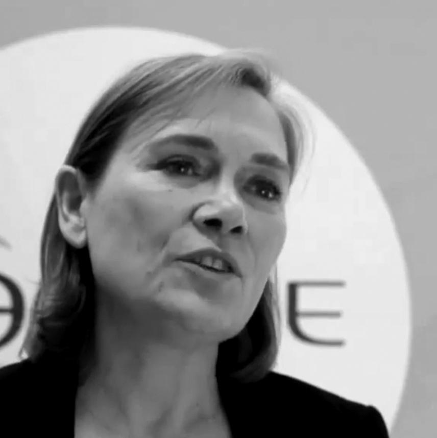 Anne-Claire Defossez