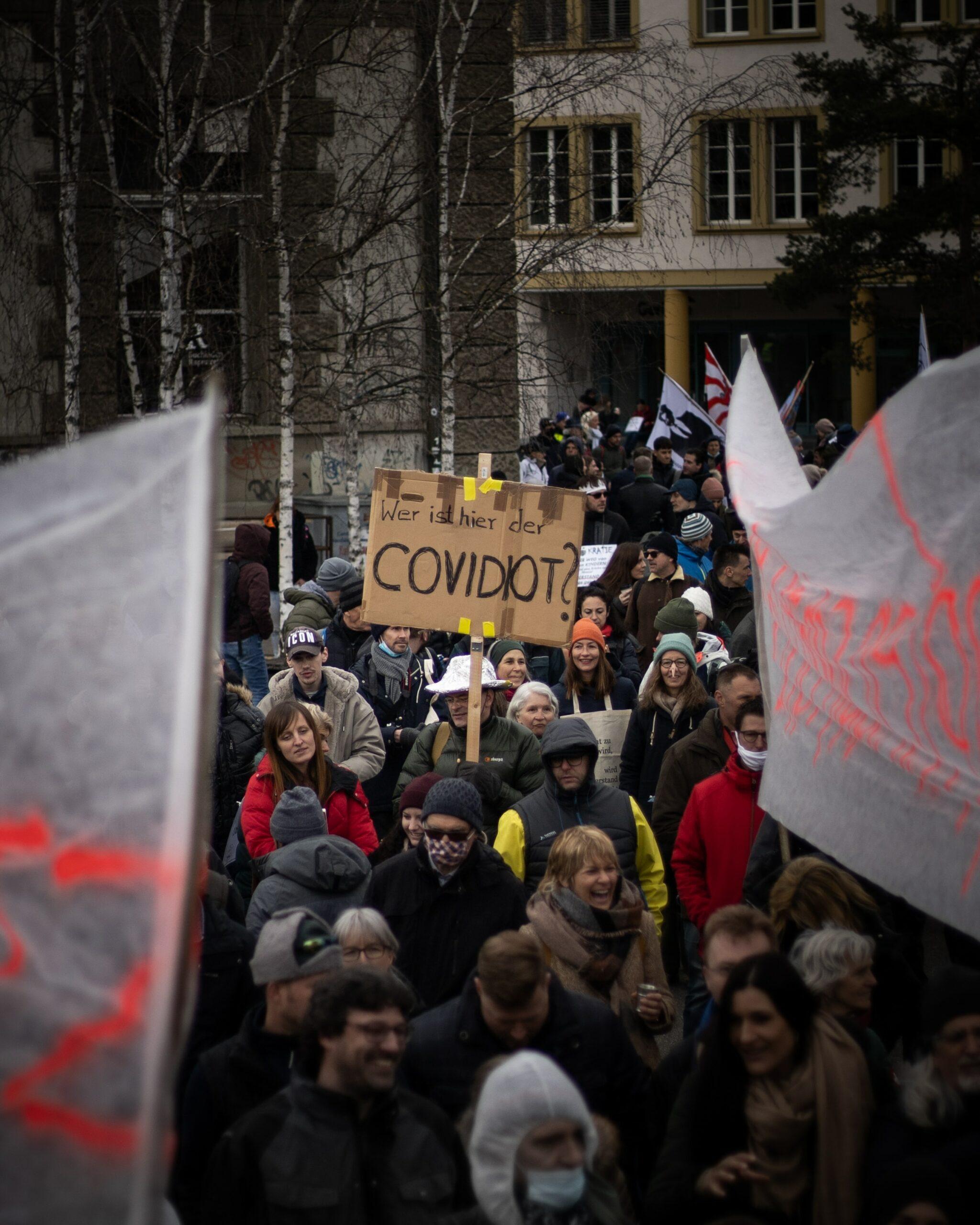 Kajetan Sumila - Betoging tegen de coronamaatregelen in Liestal (Zwitserland)